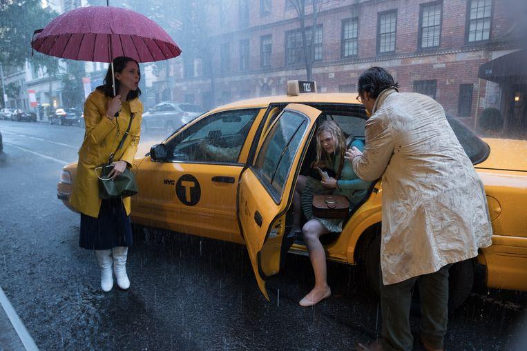 Still uit 'A Rainy Day in New York'. Woody Allen: 'Manhattan ziet er prachtig uit in de regen, heel romantisch.' Beeld Jessica Miglio