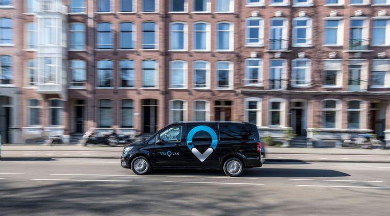 Een busje van ViaVan in Amsterdam. Beeld ViaVan