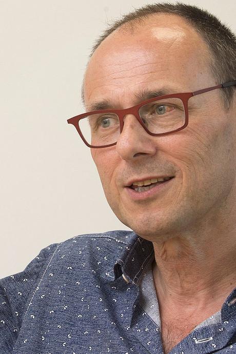 Huisarts uit 's-Heerenberg neemt het op tegen BN'ers