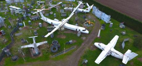 Een vliegtuigkerkhof in Boekel? Nee, dit is een terrein om te paintballen: 'Deze heeft altijd in Afrika gevlogen'