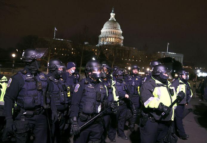 Oproerpolitie bij het Capitool.