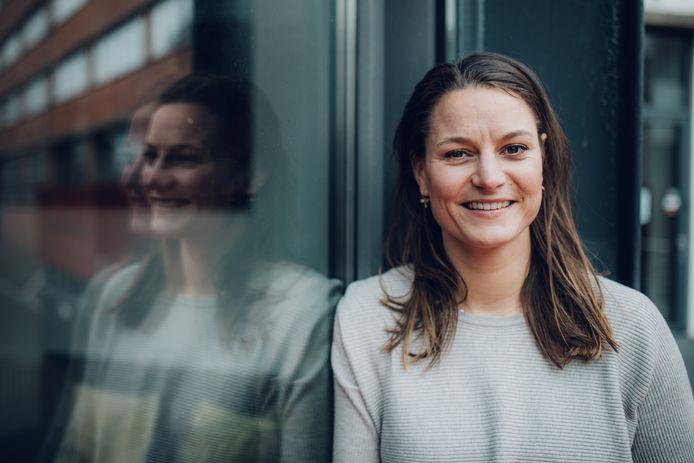 Suzanne van Duijn (32) is pr-adviseur en moet regelmatig uitleggen wat haar werk inhoudt.