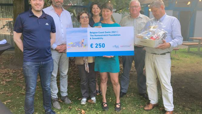 """Kustzwemster Marieke Blomme (40) gehuldigd door toerismebedrijf Westtoer: """"Mijn volgende uitdaging? Ik zit al op de fiets"""""""