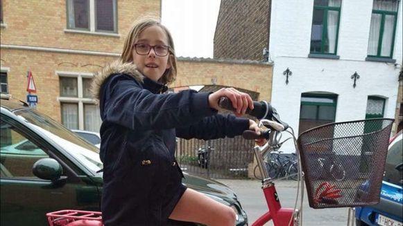 Jamie met haar fiets.