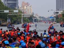 Une centaine de morts dans les inondations en Chine, les médias étrangers critiqués