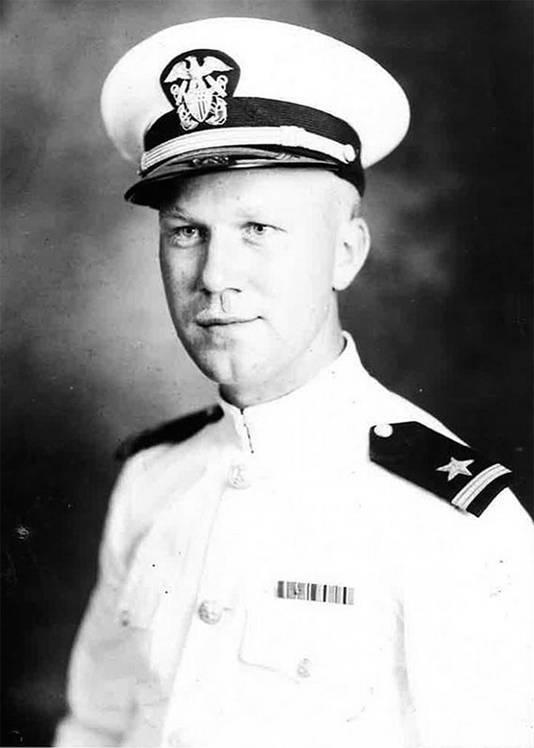 Howard van der Beek bewaarde de vlag tot zijn dood als aandenken.
