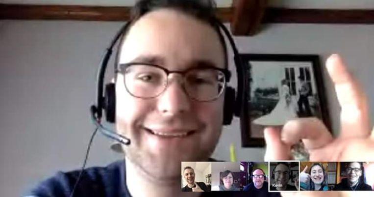 Het bestuur van DeTheaterbende vzw - op de foto tijdens een online vergadering - is blij met de opbrengst van hun benefietweek.