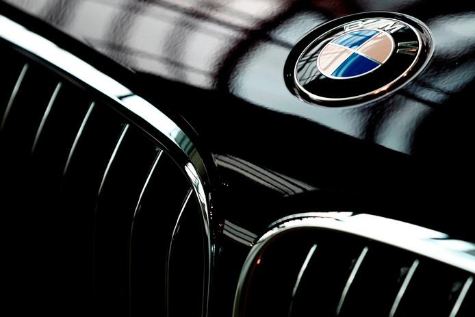 Gezworen Vijanden Bmw En Daimler Gaan Samen Strijd Met De Toekomst