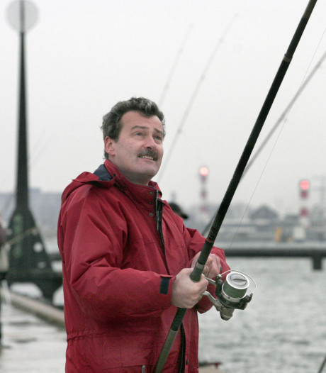 Eerste Heijdse strandvisser Jan Dibbets krijgt onderscheiding