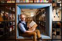 Deventenaar Mark Deckers heeft een boek geschreven over de voormalige openbare leeszaal van de bibliotheek in oorlogstijd. Hij duikelde eerder de dagboekjes op die de 'dames' van de leeszaal bijhielden aan het eind van de oorlog.