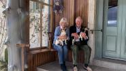 Charles en Camilla vieren trouwdag met hun honden in Schotland