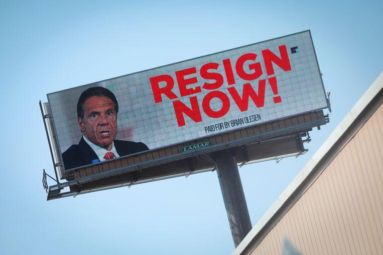 Een billboard met een boodschap voor Andrew Cuomo, de gouverneur van New York, die in opspraak raakte wegens ongewenste seksuele intimiteiten. Beeld REUTERS