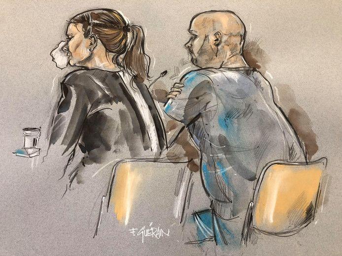 De moeder en vader van het verwaarloosde jongetje op een rechtbanktekening.