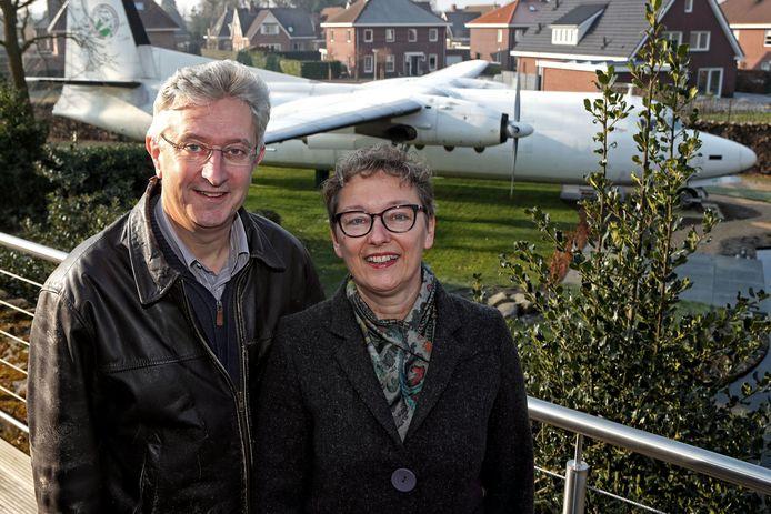 Gerhard Horstink en Esther Slootweg hebben de tweede aflevering van Bed & Breakfast van Omroep Max gewonnen met hun B&B in een Fokker-vliegtuig.