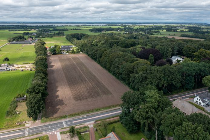 Op dit stuk grond aan de Harderwijkerweg in Hulshorst wil  VVE Groen Hulshorst een kleine woonwijk realiseren, bestaande uit maximaal 54 huizen.