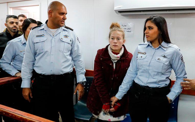 Ahed Tamimi (midden) voor de rechtbank. Beeld AFP
