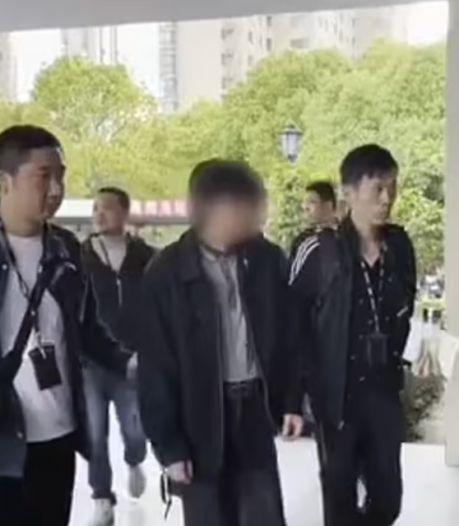 Chinese man gearresteerd nadat hij zoon (2) verkocht en van geld op vakantie ging