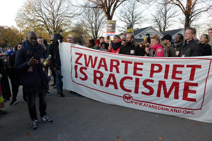 Activisten van Kick Out Zwarte Piet