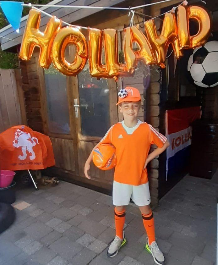 Sam Sirag, fanatiek Oranjefan van 8 jaar oud