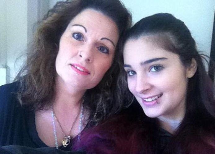Cassidy Trevan met haar moeder Linda.