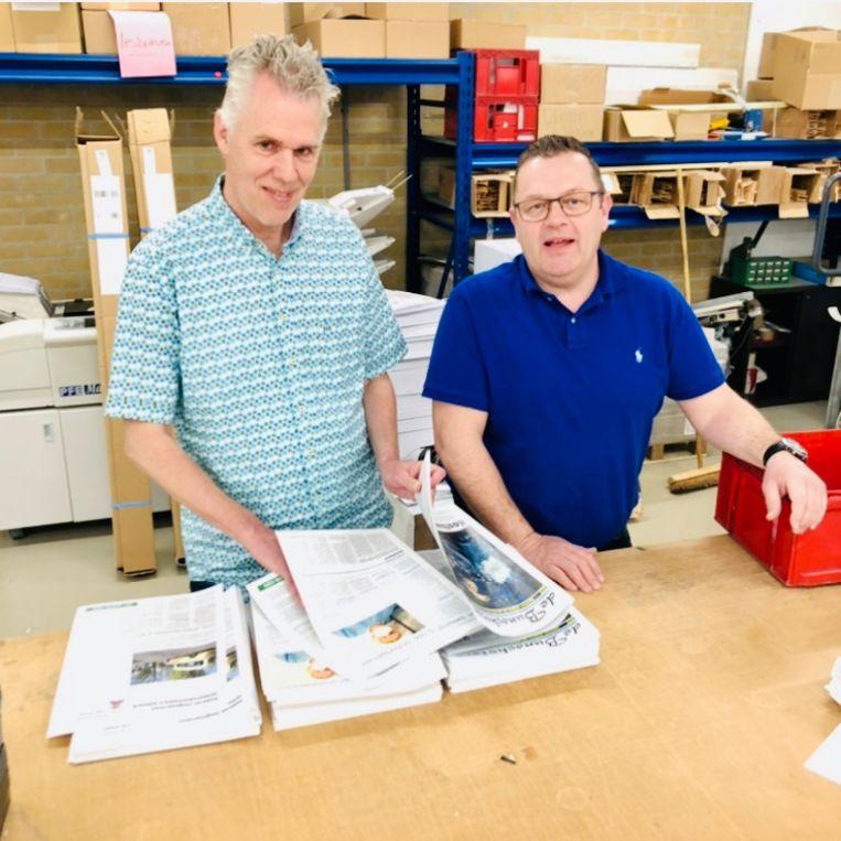 Hoofdredacteur Abraham Muijs (l) en uitgever David Hartog. Beeld Margriet Oostveen