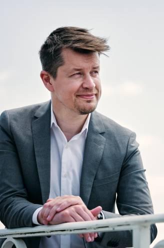 """Matthias De Caluwe (38), de topman van Horeca Vlaanderen vertelt over zijn bewogen jaar: """"Je papa  verliezen en zélf vader worden, it's the circle of life"""""""