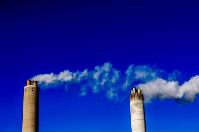 AMSTERDAM - De Hemwegcentrale moet per 2024 dicht of overgestapt zijn op duurzame energie.  Beeld ROBIN UTRECHT