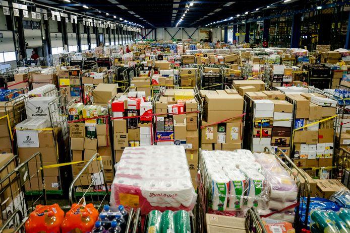 Producten verpakt in het distributiecentrum van supermarkt Jumbo in juli 2019.