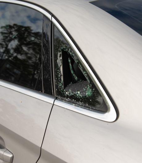 Twee nachten op rij auto-inbraken in Baarn, politie start onderzoek