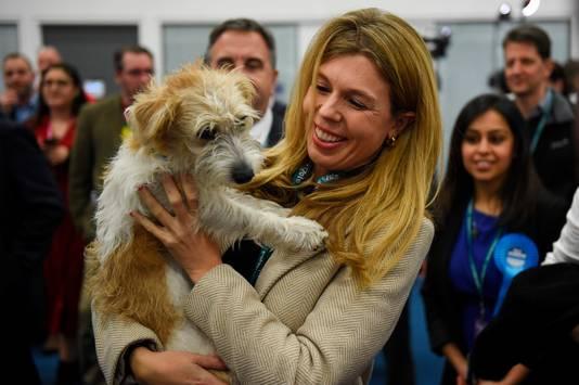 Carrie Symonds met hond Dilyn.