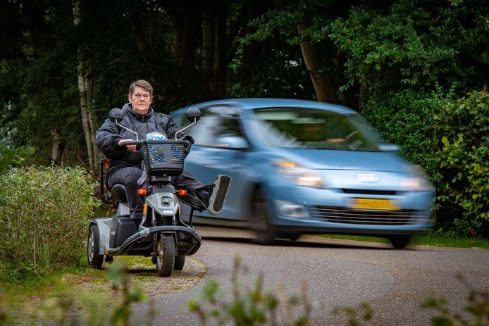 Rita Overmaat uit Zutphen komt in actie tegen hardrijders. Zelf is ze meerdere malen slachtoffer geworden van aanrijdingen.