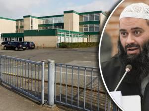Omstreden alFitrah moet weg uit pand in Overvecht, eigenaar sleept moskee voor rechter