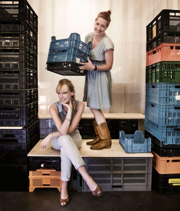 Ellien Stinissen (l.) en Marijke De Jongh gaan voedselverspilling tegen met hun restaurant. Beeld Eric De Mildt