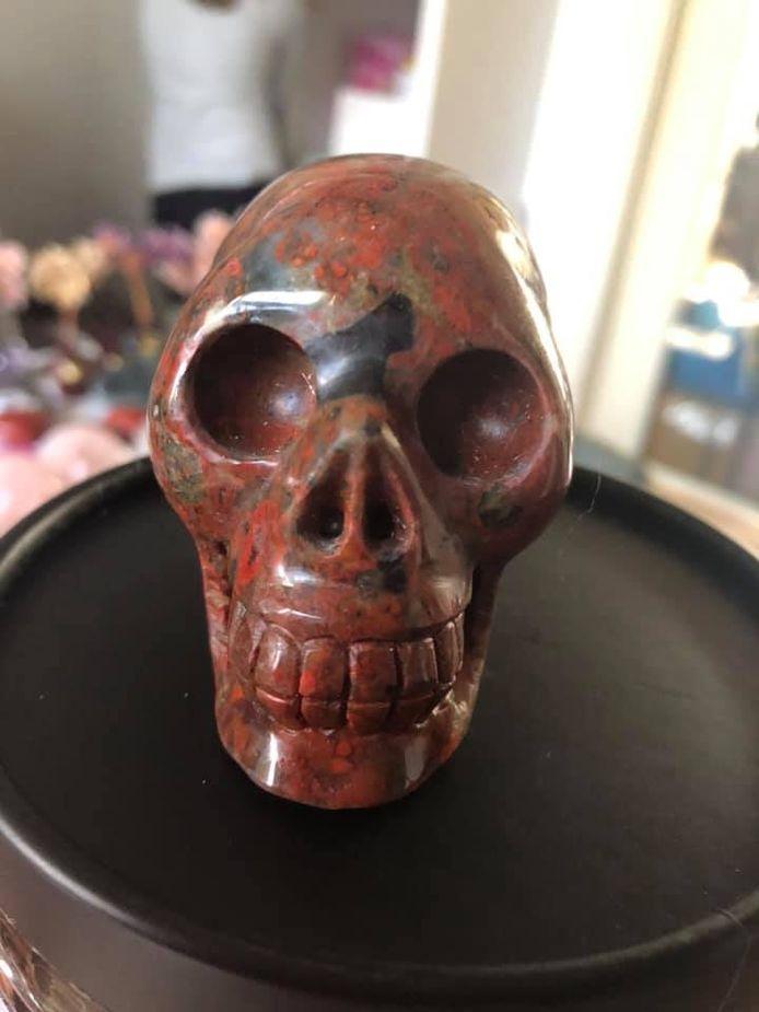 Een van de 80 skulls die Charlotte te koop aanbiedt