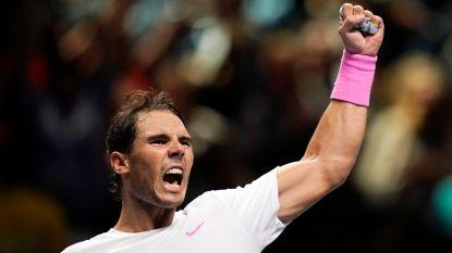 Nadal blijft na remontada tegen Medvedev op koers voor halve finales ATP Finals - Tsitsipas stoot door