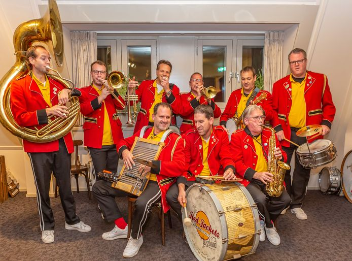 De Bergse jazzband Red Jackets trad in 2019 op tijdens JazzBoz.