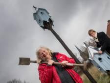 Ria (69) en Trudie (68) grepen corona aan om een duiventil te maken