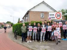 Bewoners willen snel actie tegen verkeersdrukte in straten Valkenswaard: 'Ouderen durven nauwelijks nog over te steken'