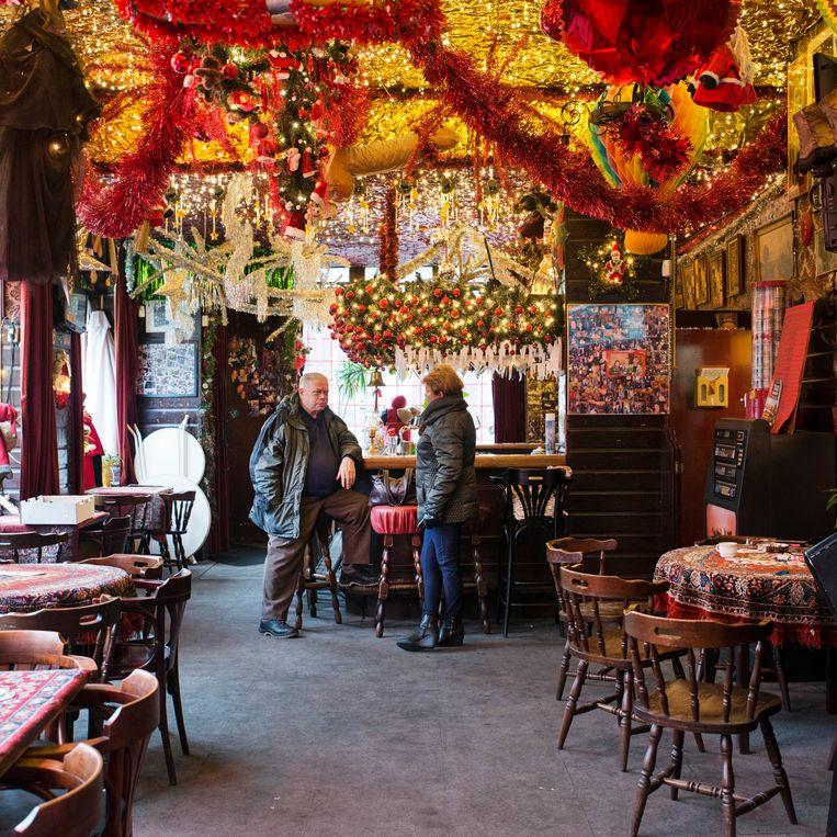 Café Ruk & Pluk op de Linnaeusstraat in Oost. 'We hebben de eerste feesten al gepland.' Beeld Charlotte Odijk