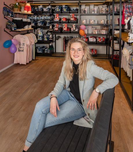 Justine durft het: pas 17 jaar en in coronatijd een eigen winkel openen in Zwartsluis