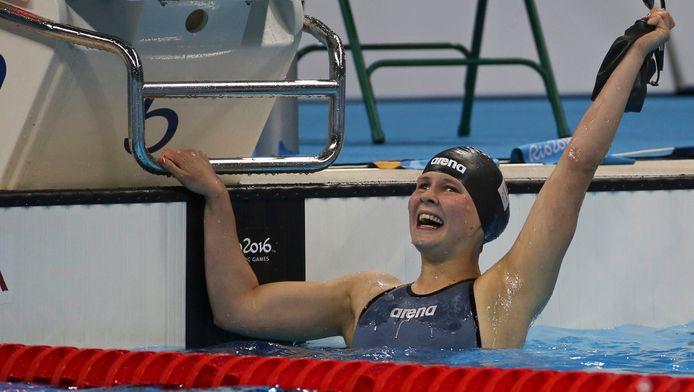 Een dolblije Liesette Bruinsma na haar winst op de 400 meter.