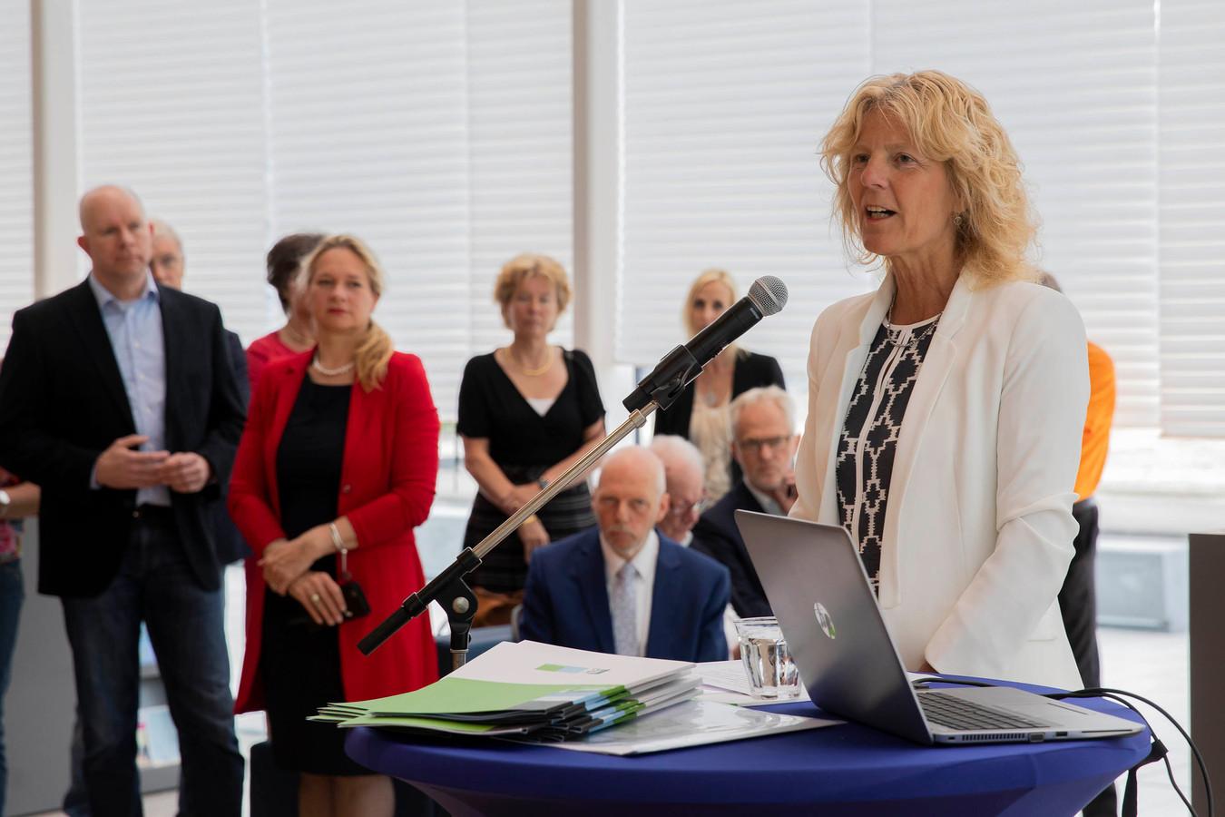 Karin Zwinkels beëdigd in 2018 als wethouder.