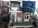 Woningen zitten soms overvol, blijkt uit deze foto van de Pandbrigade bij een inspectie.