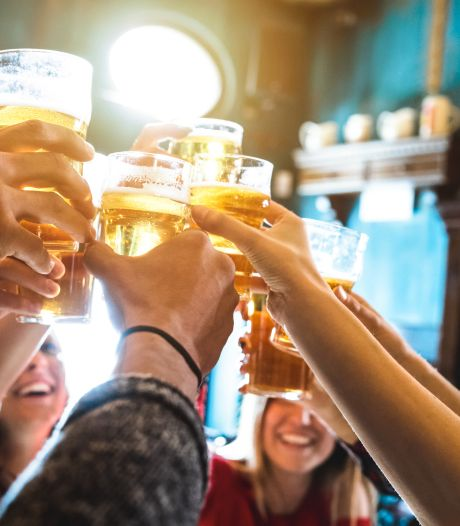 Onderzoek naar injecteren Britse vrouwen tijdens het uitgaan; 'nieuwe pilletje in drankje'