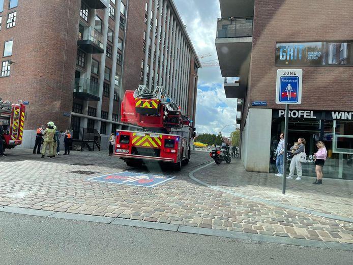 De brandweer was ter plaatse voor de smeulende zekeringskast aan de Vaartkom