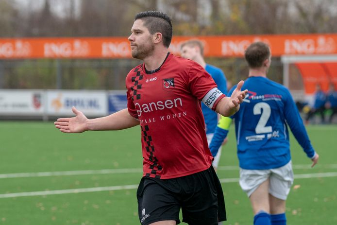 Ricky Houterman van SC Bemmel, veel te oud om te mogen trainen in groepsverband.