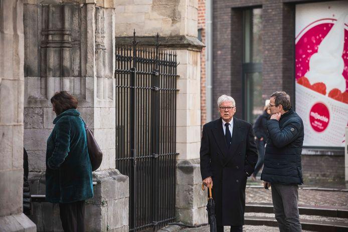 Begrafenis Roland Demal.  Frans Billen is ook aanwezig.