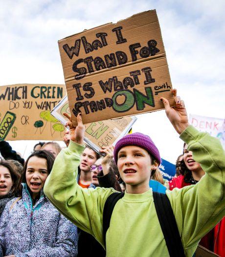 Opkomst klimaatmars veel groter dan verwacht: 'Jullie schudden Den Haag wakker'