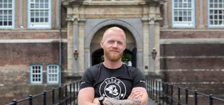 Marinier Robin (36) rent vijf marathons in vijf dagen om PTSS-taboe te doorbreken: 'Ik lijd om anderen te helpen'