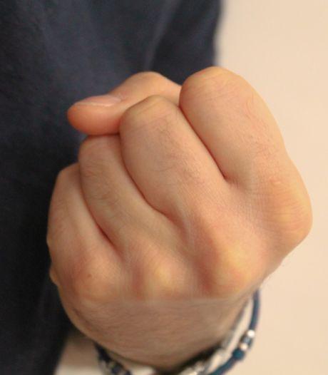 Un policier liégeois reçoit un coup de poing en pleine intervention